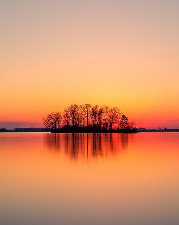 Atardecer en lago - Unsplash Dave-Hoefler