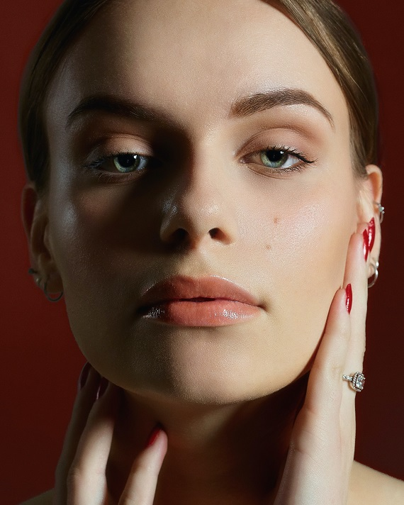 Tratamiento en rostro - Unsplash Oliver Johnson
